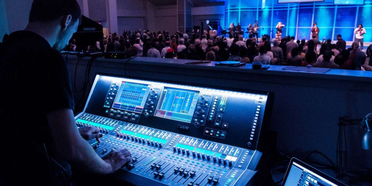 Why Autocue Hire Is Important for The Success of An Event?